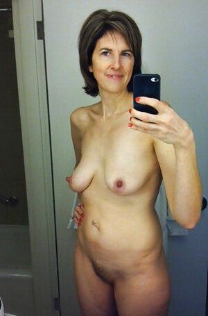 amature nude selfies
