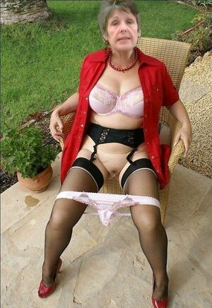 amateur milf hairy pussy