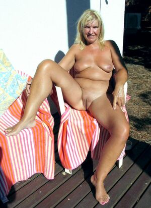 mature naked sex