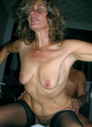 mature girlfriend nude