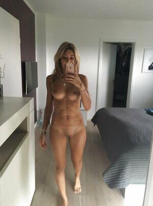 Cougar selfies sexy Milf Selfie