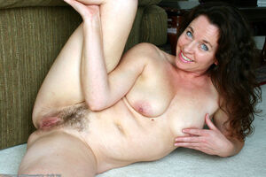 hairy milf threesome