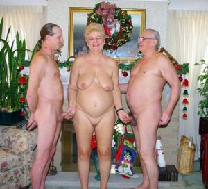 naked mature grannies