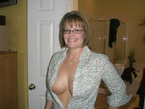 xxx mom big boobs