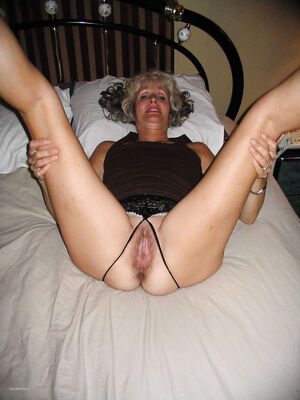 older woman hairy pussy
