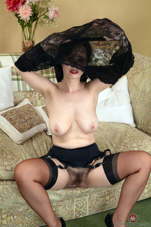 hairy pussy milf pictures