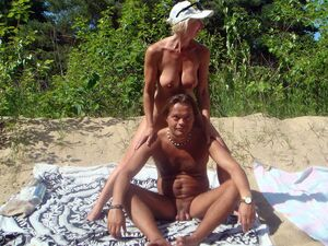 mom nude beach