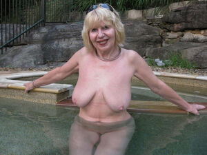blonde granny pussy